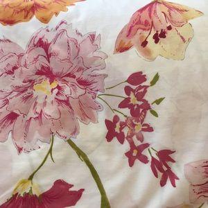 New Pottery Barn Floral king duvet cover
